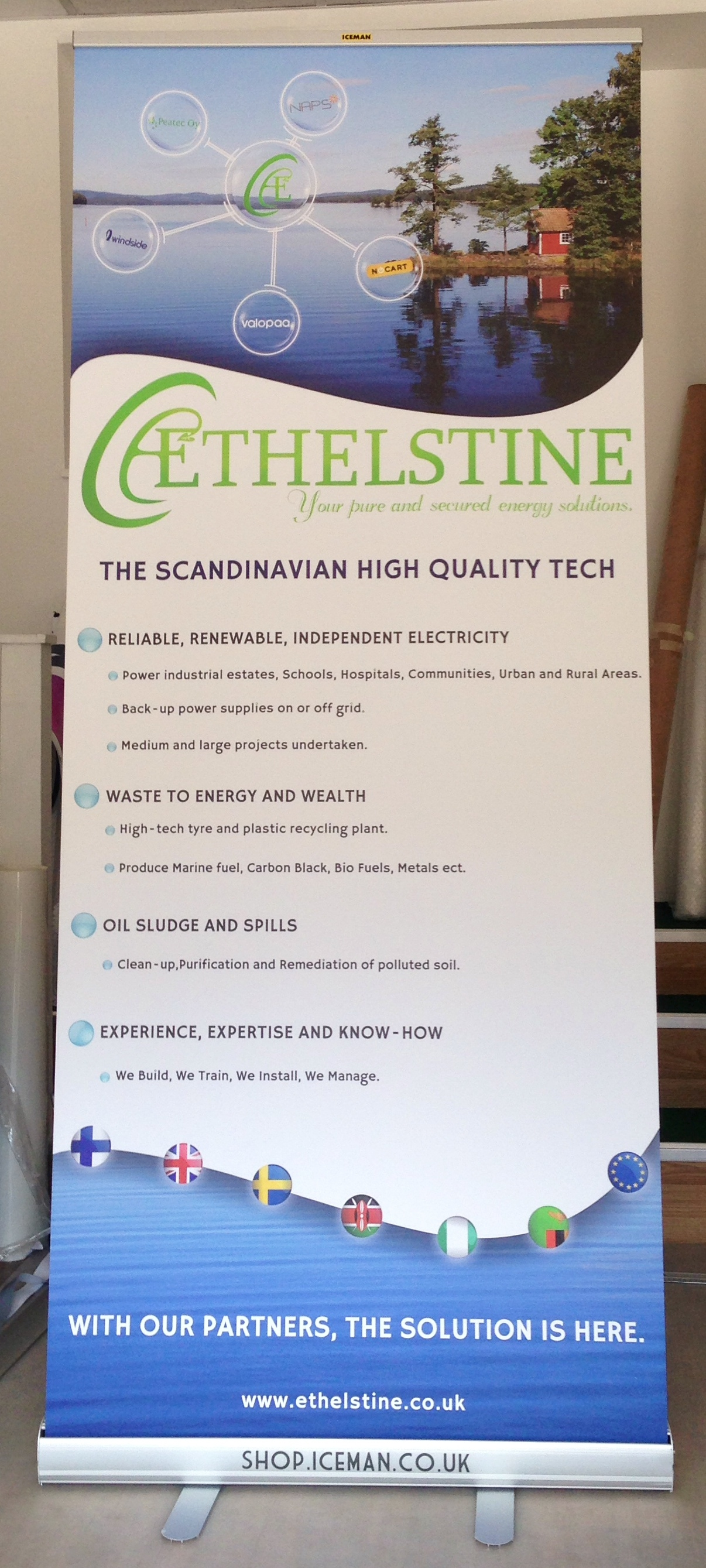 Ethelstine projects roll up banner stand