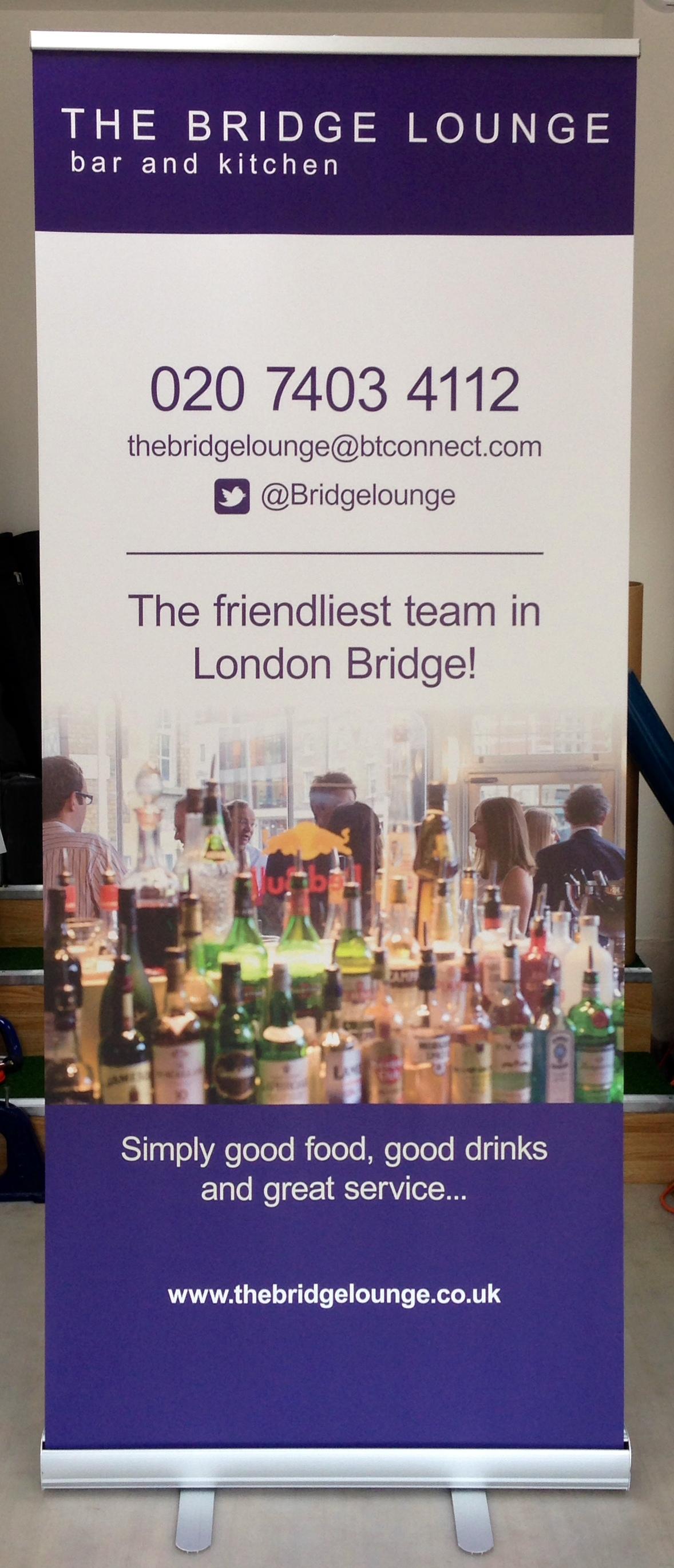 London Bridge Lounge roll up stand